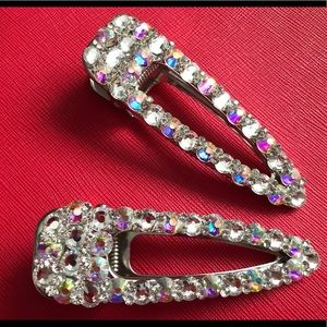Hair clips with rhinestones